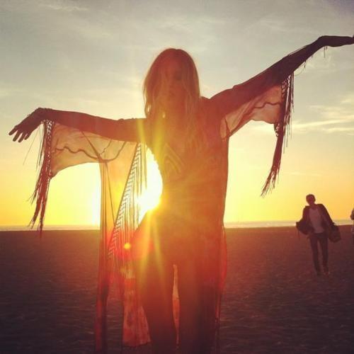 Dancin the sun